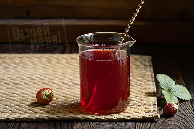 Рецепт клубничного ликера «Сладкая красавица»