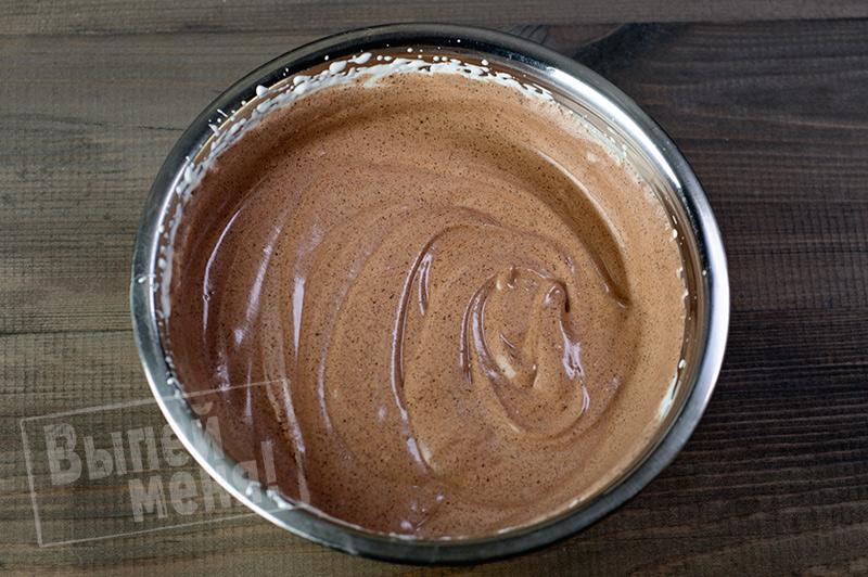 Шоколадное мороженое с вишней «Чёрный лес»