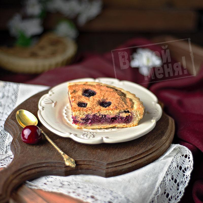 пирог с вишней и миндалем